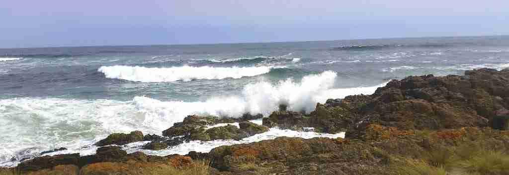 Big waves on Tasmania west coast