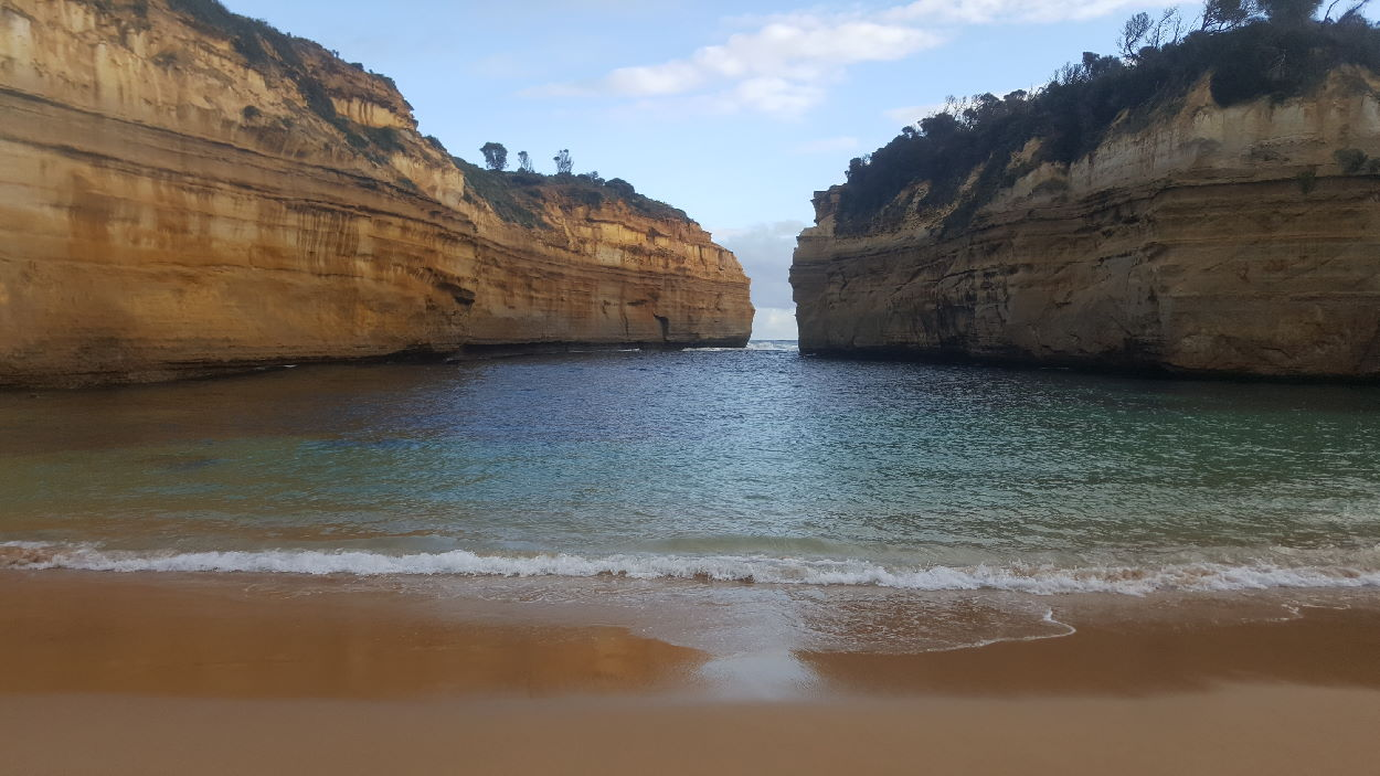 Beach in Loch Ard Gorge