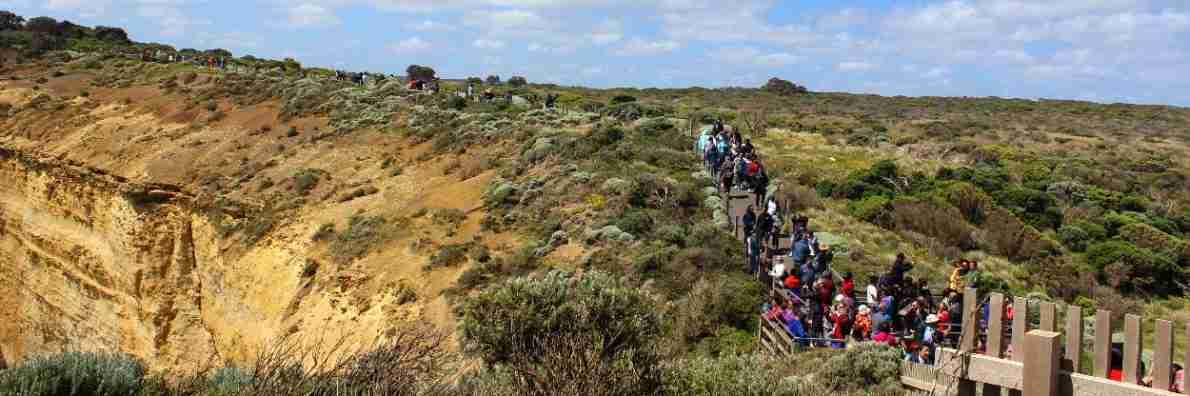 Crowded 12 Apostles Viewing Platform