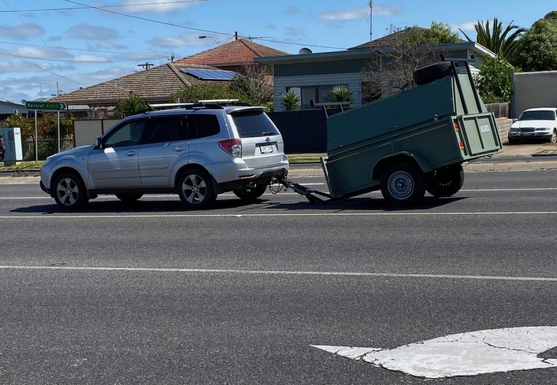 Trailer snapped on highway